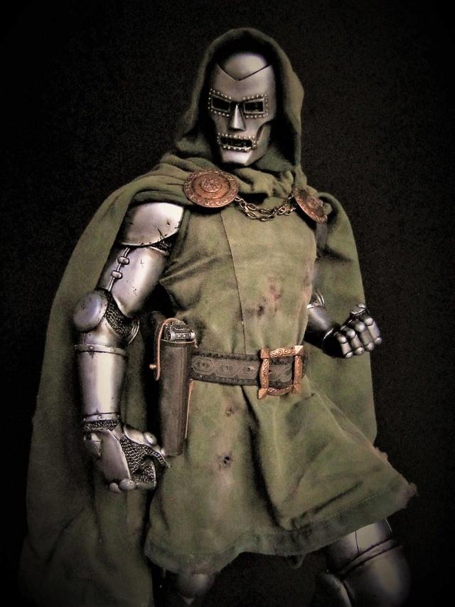 Dr Doom PF Sideshow repaint et custom. Doom210