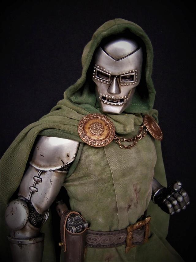 Dr Doom PF Sideshow repaint et custom. Doom310