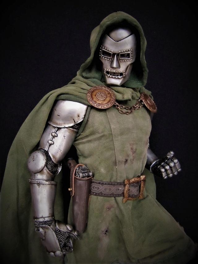 Dr Doom PF Sideshow repaint et custom. Doom410