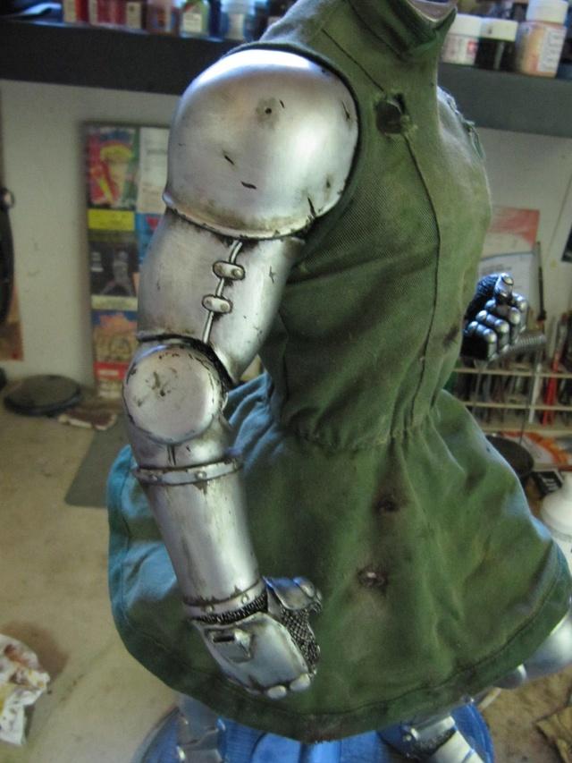 Dr Doom PF Sideshow repaint et custom. Img_0910