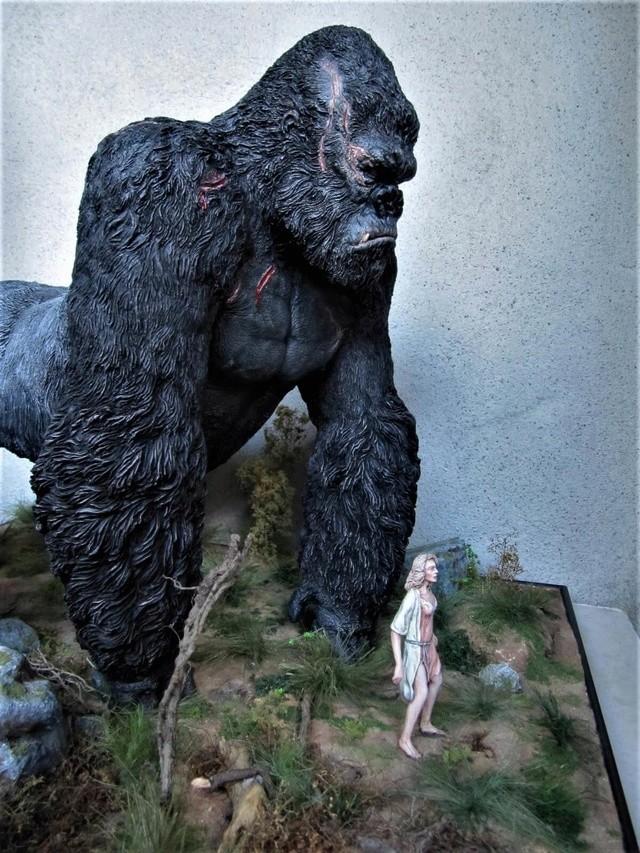King Kong diorama. Kong310