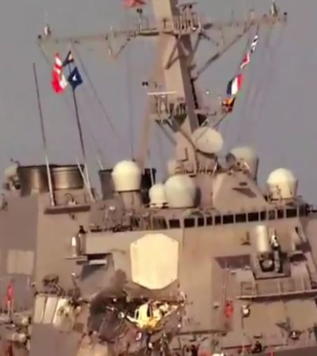 Collision destroyer USS Fitzgerald avec un navire marchand ! - Page 4 Fitz_f10