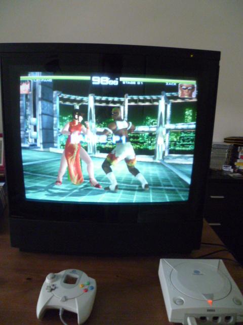 Je viens d'acquérir une tv CRT bang olufsen P1000613