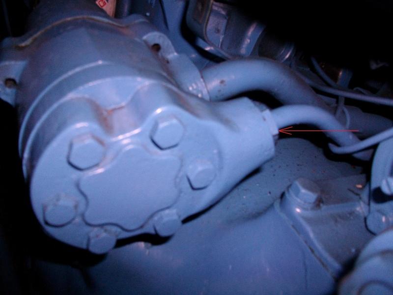 Joint - FORD 3000 Besoin d'aide pour un joint sur tuyau hydraulique Imgp0115