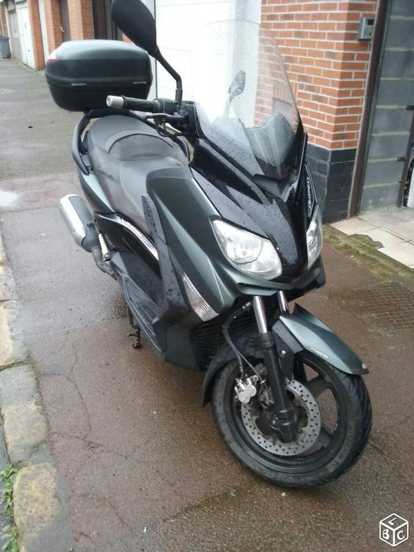 A VENDRE scooter Xmax 125cc (VENDU )  722c7110