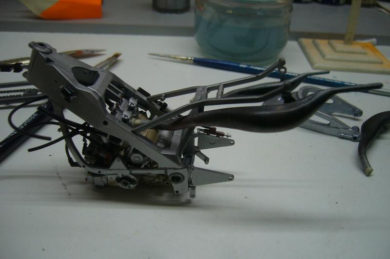 Yamaha YZR 500 cc  OWB70. Tamiya 1/12° P1220221