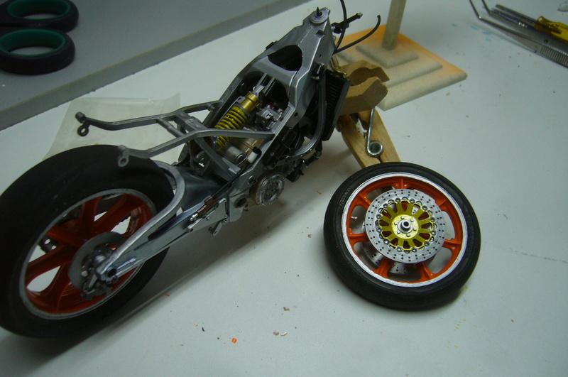 Yamaha YZR 500 cc  OWB70. Tamiya 1/12° P1220239