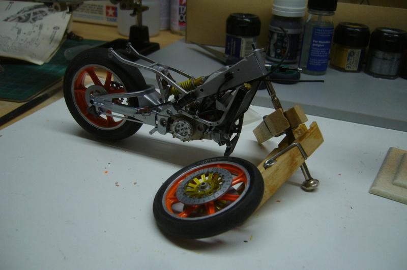 Yamaha YZR 500 cc  OWB70. Tamiya 1/12° P1220240