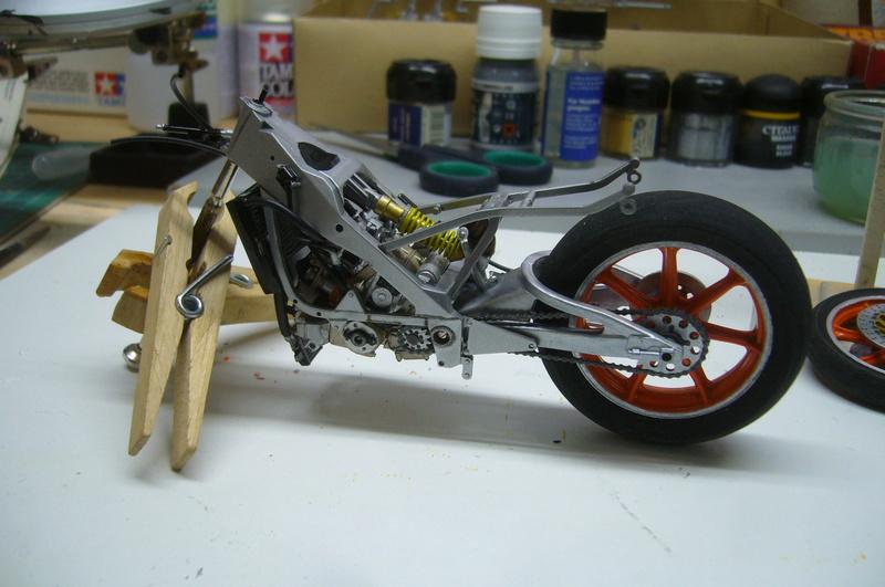 Yamaha YZR 500 cc  OWB70. Tamiya 1/12° P1220241