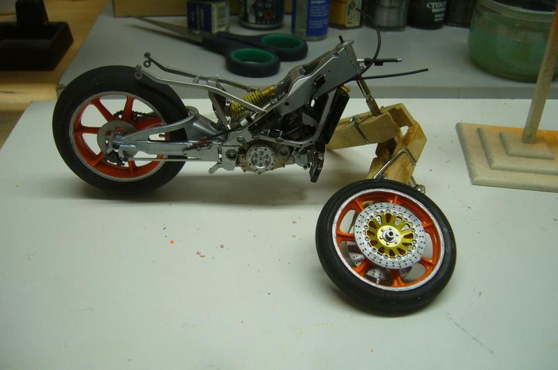 Yamaha YZR 500 cc  OWB70. Tamiya 1/12° P1220243