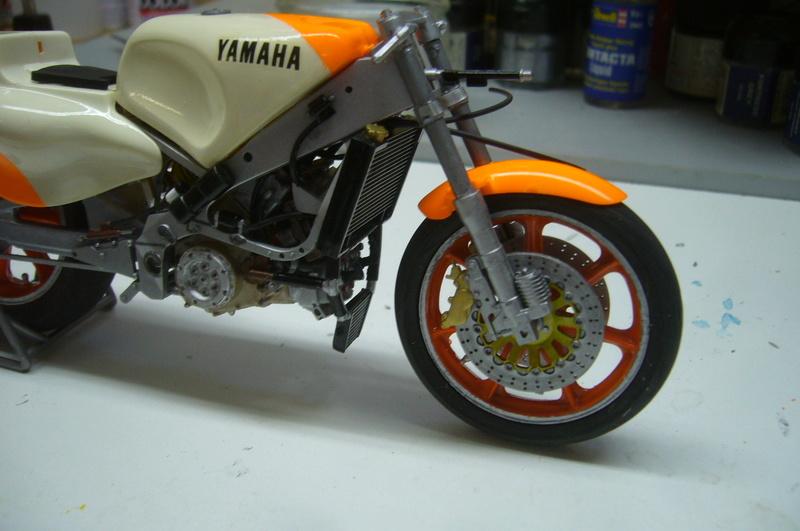 Yamaha YZR 500 cc  OWB70. Tamiya 1/12° - Page 2 P1220270