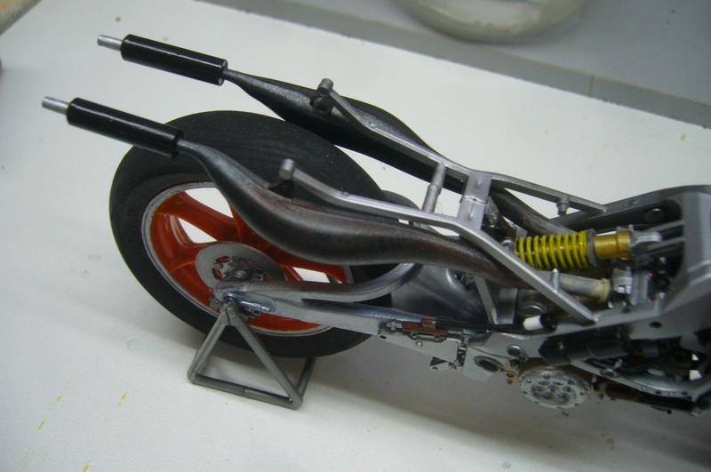 Yamaha YZR 500 cc  OWB70. Tamiya 1/12° - Page 2 P1220272