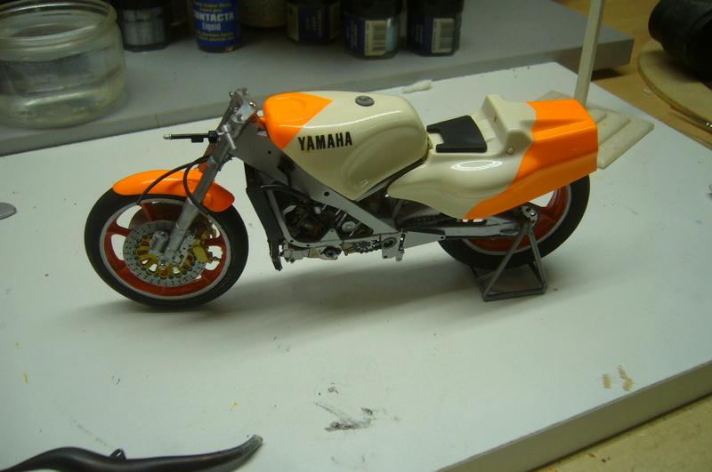 Yamaha YZR 500 cc  OWB70. Tamiya 1/12° - Page 2 P1220273