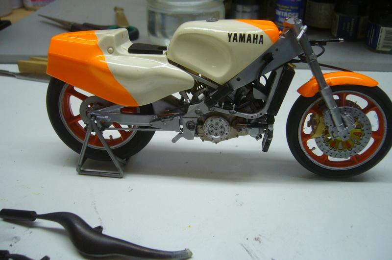Yamaha YZR 500 cc  OWB70. Tamiya 1/12° - Page 2 P1220274