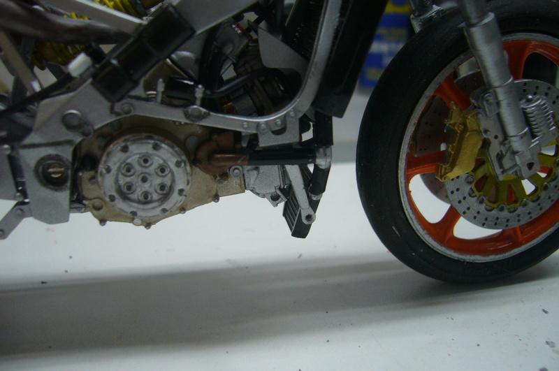 Yamaha YZR 500 cc  OWB70. Tamiya 1/12° - Page 2 P1220277