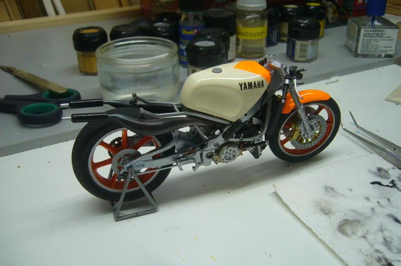 Yamaha YZR 500 cc  OWB70. Tamiya 1/12° - Page 2 P1220280