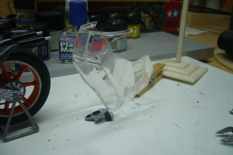 Yamaha YZR 500 cc  OWB70. Tamiya 1/12° - Page 2 P1220281