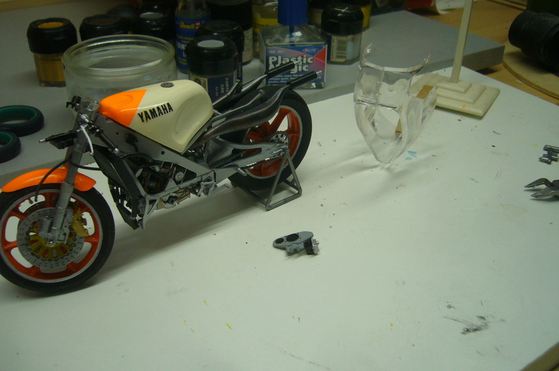 Yamaha YZR 500 cc  OWB70. Tamiya 1/12° - Page 2 P1220282