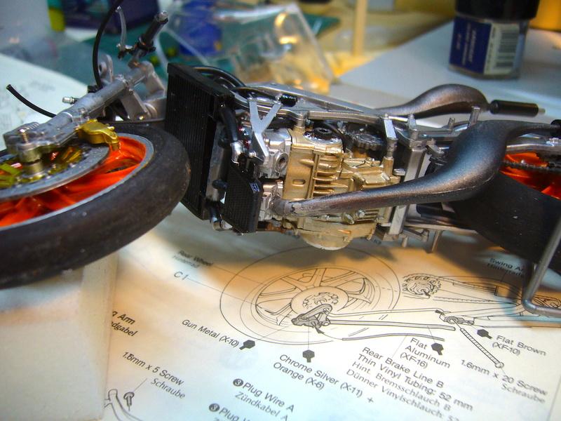 Yamaha YZR 500 cc  OWB70. Tamiya 1/12° - Page 2 P1230114