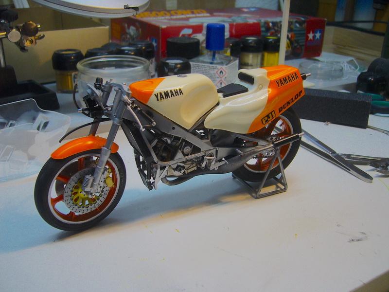 Yamaha YZR 500 cc  OWB70. Tamiya 1/12° - Page 2 P1230115