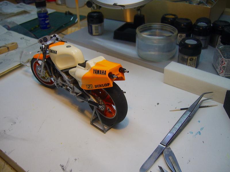 Yamaha YZR 500 cc  OWB70. Tamiya 1/12° - Page 2 P1230116