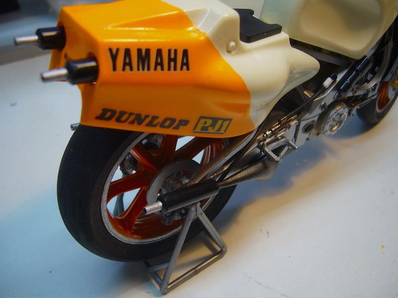 Yamaha YZR 500 cc  OWB70. Tamiya 1/12° - Page 2 P1230117