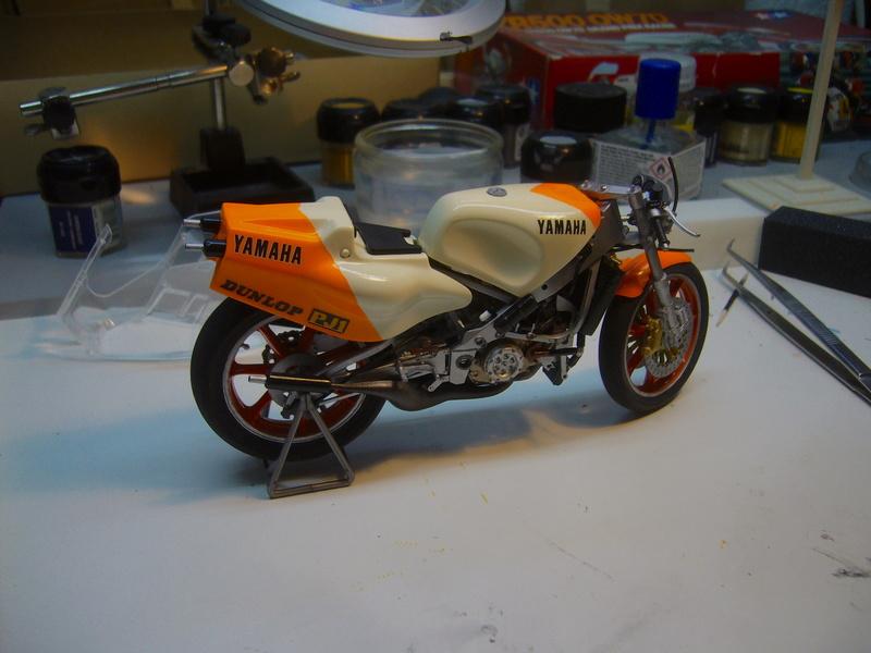 Yamaha YZR 500 cc  OWB70. Tamiya 1/12° - Page 2 P1230118