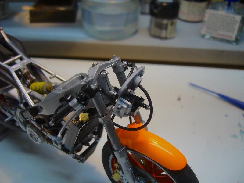 Yamaha YZR 500 cc  OWB70. Tamiya 1/12° - Page 2 P1230120