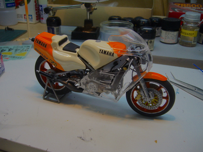 Yamaha YZR 500 cc  OWB70. Tamiya 1/12° - Page 2 P1230129