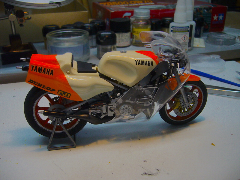 Yamaha YZR 500 cc  OWB70. Tamiya 1/12° - Page 2 P1230131