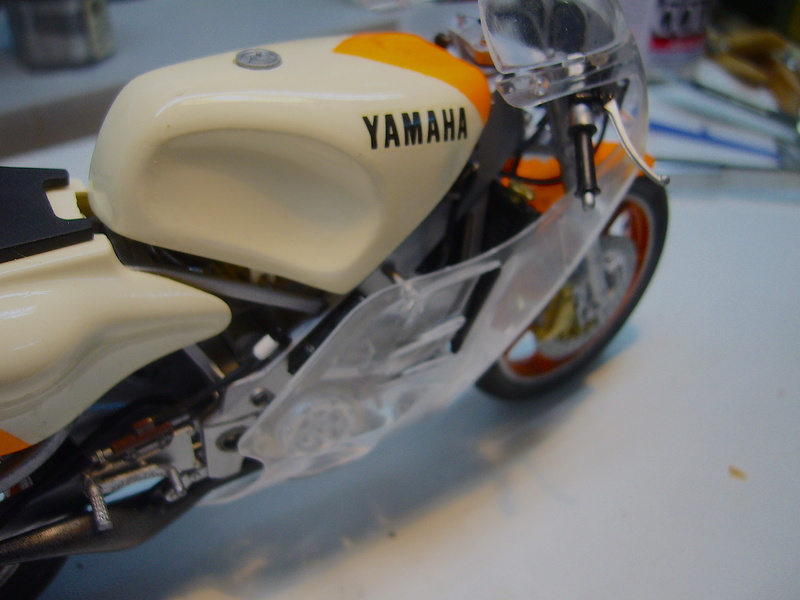 Yamaha YZR 500 cc  OWB70. Tamiya 1/12° - Page 2 P1230135