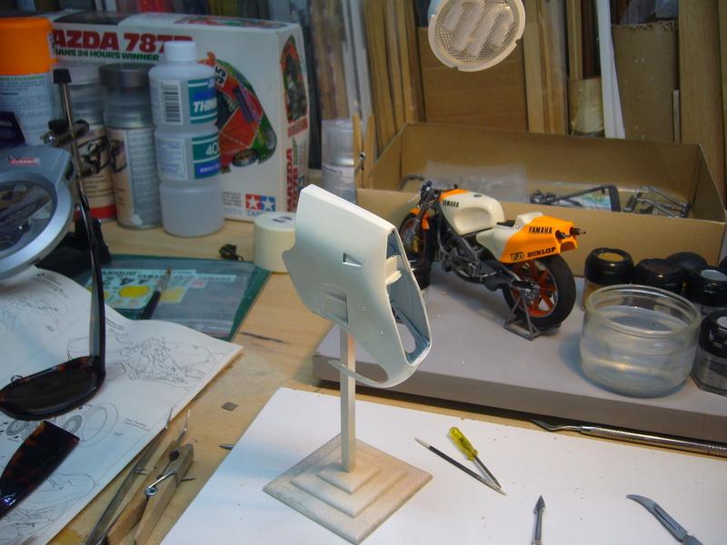 Yamaha YZR 500 cc  OWB70. Tamiya 1/12° - Page 2 P1230148