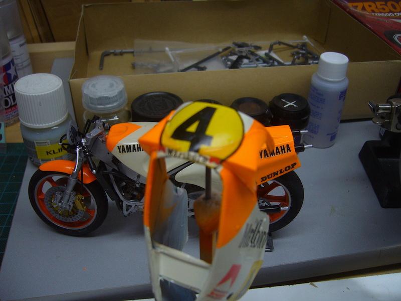 Yamaha YZR 500 cc  OWB70. Tamiya 1/12° - Page 2 P1230211