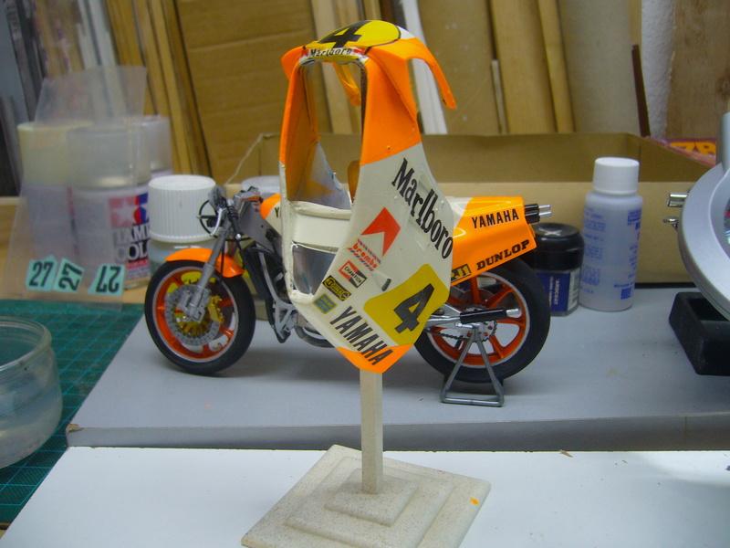 Yamaha YZR 500 cc  OWB70. Tamiya 1/12° - Page 2 P1230213
