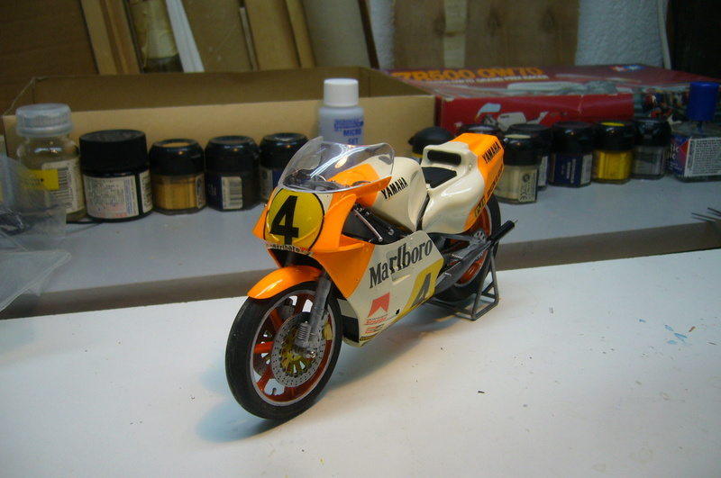Yamaha YZR 500 cc  OWB70. Tamiya 1/12° - Page 2 P1230223