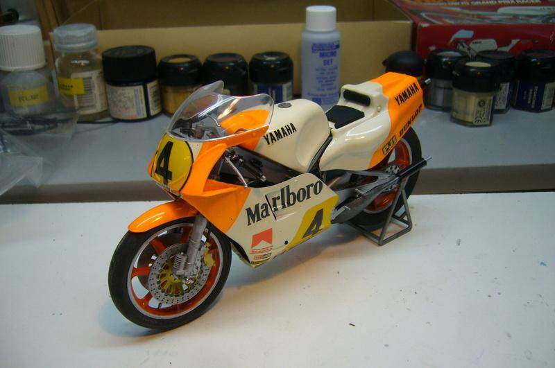 Yamaha YZR 500 cc  OWB70. Tamiya 1/12° - Page 2 P1230227