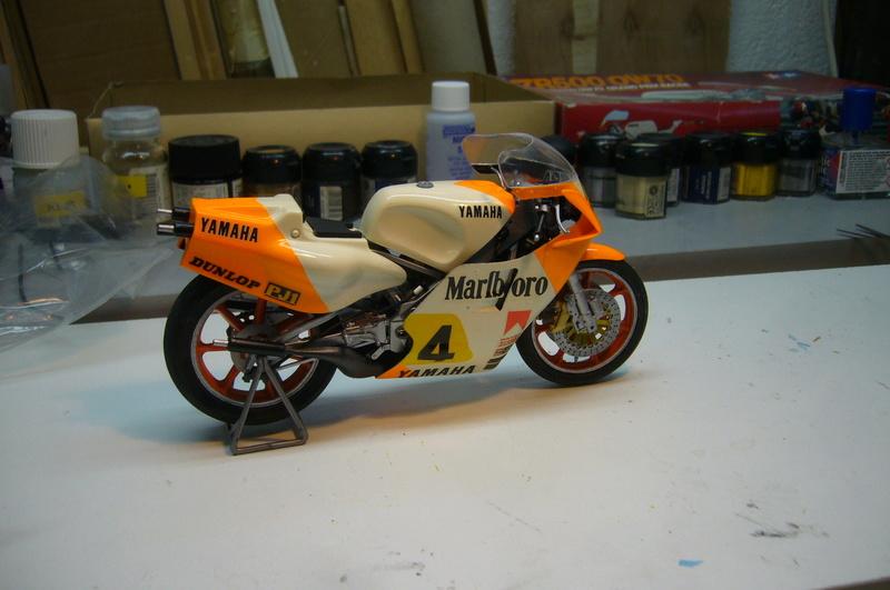 Yamaha YZR 500 cc  OWB70. Tamiya 1/12° - Page 2 P1230229