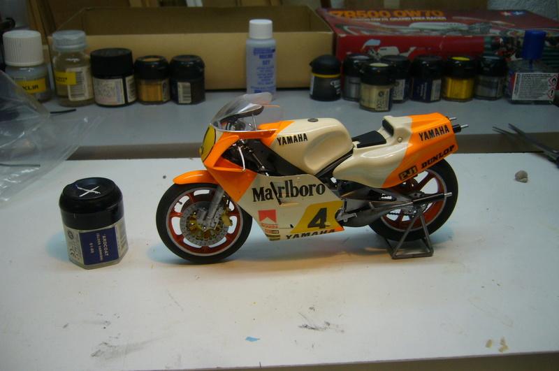 Yamaha YZR 500 cc  OWB70. Tamiya 1/12° - Page 2 P1230230