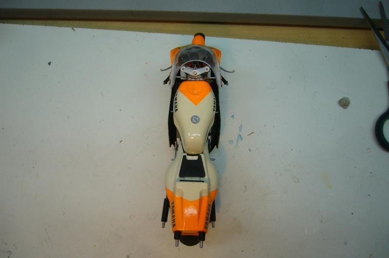 Yamaha YZR 500 cc  OWB70. Tamiya 1/12° - Page 2 P1230231