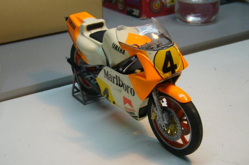 Yamaha YZR 500 cc  OWB70. Tamiya 1/12° - Page 2 P1230234