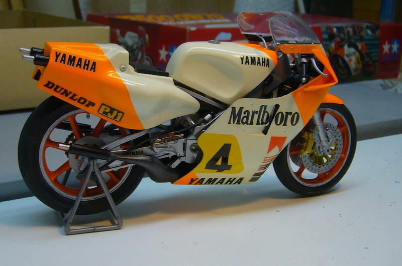 Yamaha YZR 500 cc  OWB70. Tamiya 1/12° - Page 2 P1230238