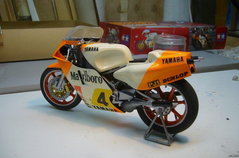 Yamaha YZR 500 cc  OWB70. Tamiya 1/12° - Page 2 P1230239
