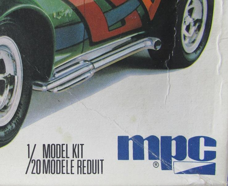 Mon dernier achat, une Corvette 1976 MPC au 1/20 00413