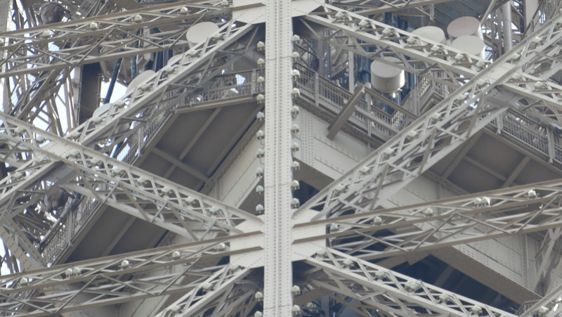 Projet de réalisation de l'étage intermédiaire entre 2ème et 3ème étage de la Tour Eiffel P1010011