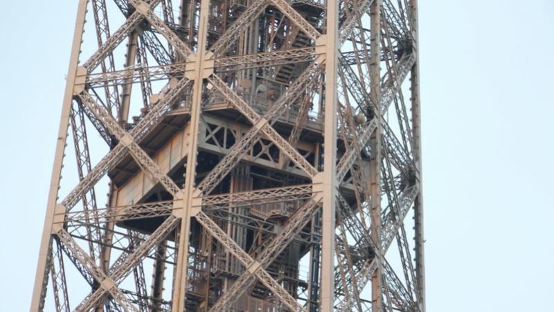 Projet de réalisation de l'étage intermédiaire entre 2ème et 3ème étage de la Tour Eiffel P1030810