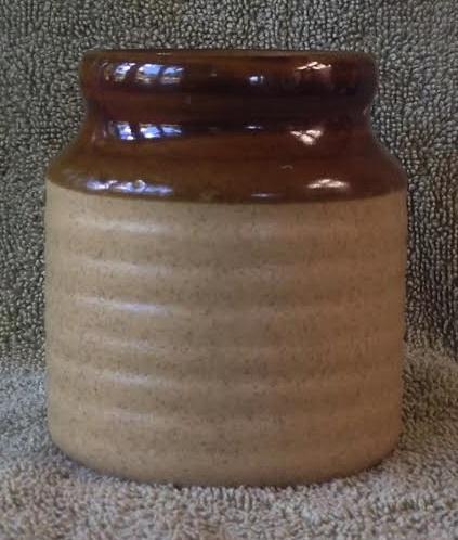 Adelaar/Orzel corked storage jar (new base mark) Orzelc10