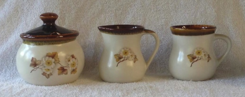 Kermiko (Clematis?) Tea & Coffee Sugare10