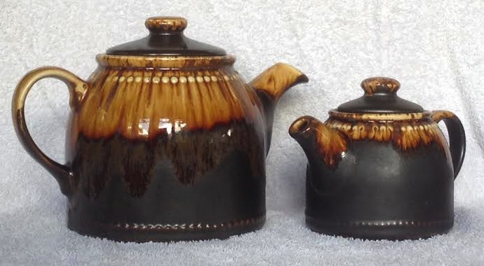 "Three Titianware ""Country Fair"", ""Bobbles"" teapots in the same glaze: 1354 1404 1435 Teapot10"