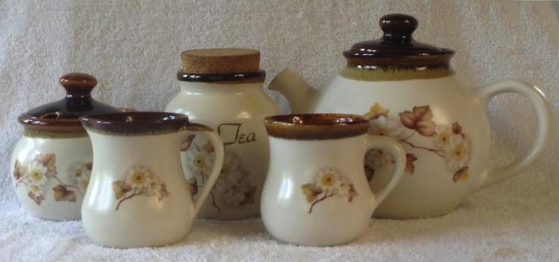 Kermiko (Clematis?) Tea & Coffee Teaset10