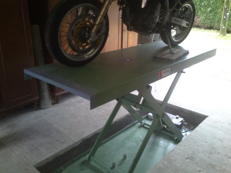 table elevatrice , comment êtes vous équipé pour bosser Dsc_0820